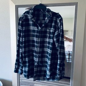 Croft and Borrow Black and White Flannel Medium
